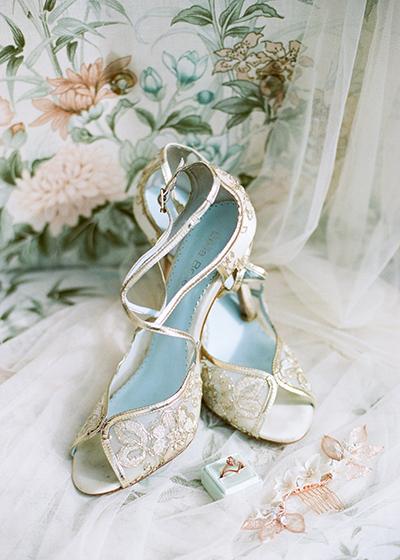 Ireland Elopement. Bozeman Montana Wedding Photographer. Ireland Wedding. Country Fairytale Wedding