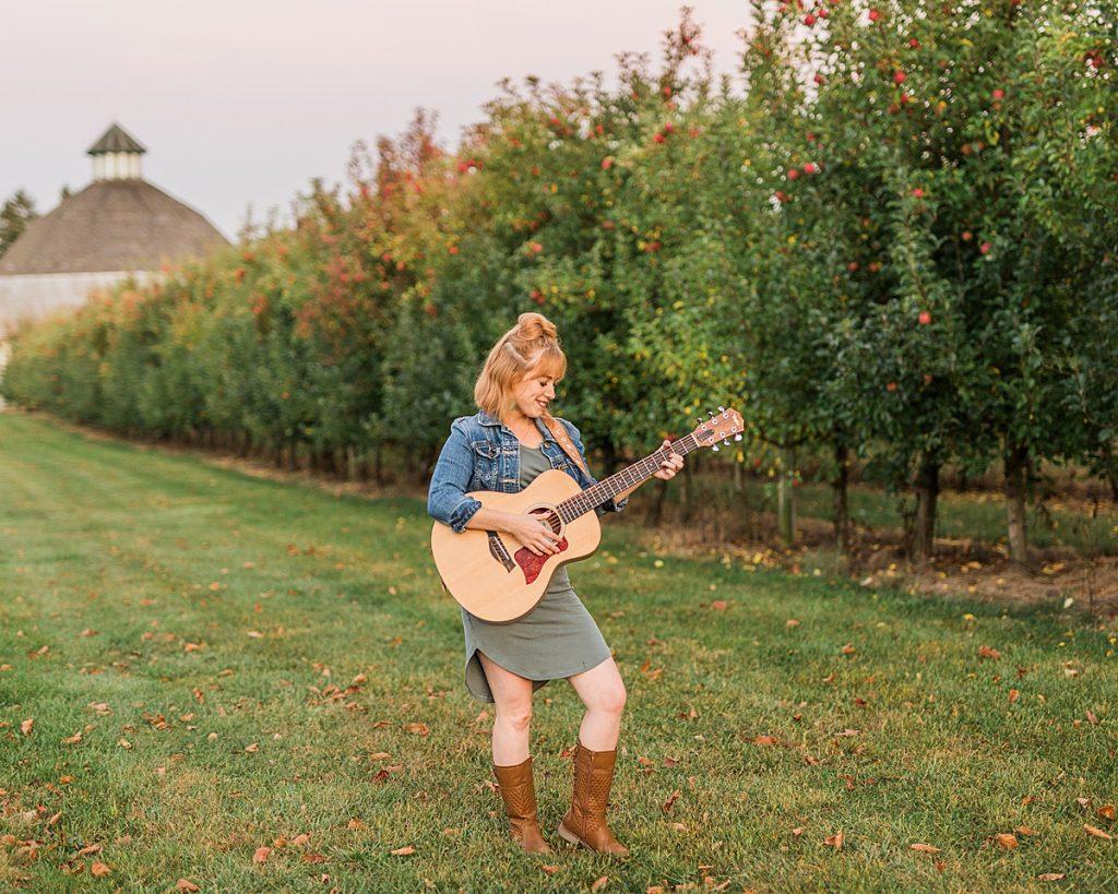 Olivine Fox - Gettysburg Pennsylvania Photographer - Central Pennsylvania Musician Photography - Orchard Photos - Fall Photos - Carlisle - Mechanicsburg